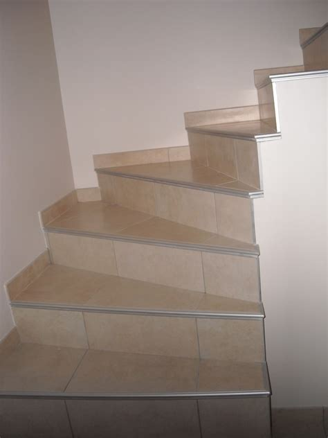 haute cuisine pose de revêtement de sol et de mosaïque à haute rivoire toinon carrelage escaliers