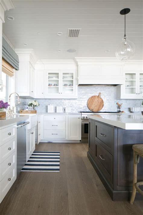 beautiful cottage kitchens best 25 coastal kitchens ideas on 1542
