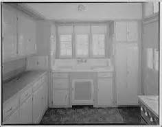 antique kitchen sinks unpainted historical kitchens not all 1900 1920 s 1283