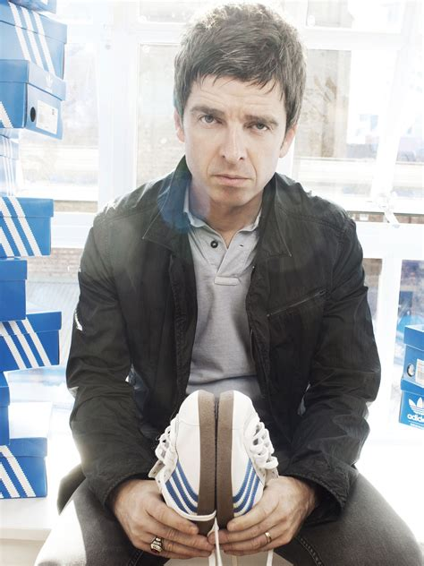 noel gallagher wallpapers images  pictures backgrounds