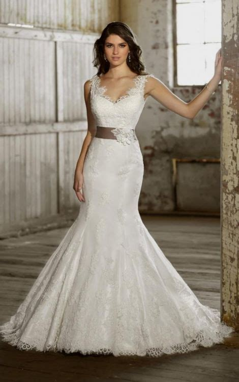 size fit  flare wedding dresses   bb