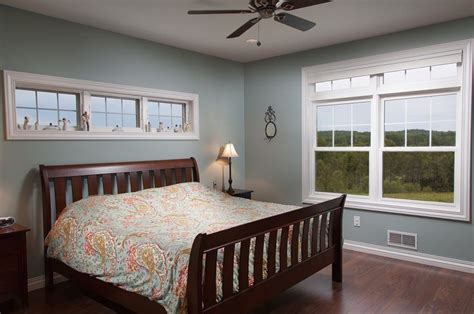 bedroom   tall ceiling   awning windows