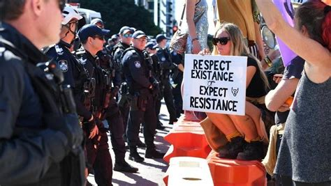 Qld protesters defy proposed protest law | Western ...