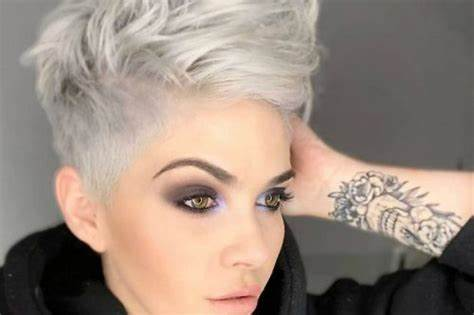Hairstyles For Pink Haired Shorthair Women