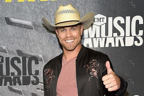 Dustin Lynch's Recent Tourmates Have Weighed In On His