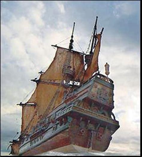 Barcos Piratas Hundidos En El Caribe by La Bit 225 Cora De Jenri Piratas Corporativos Tras Tesoros