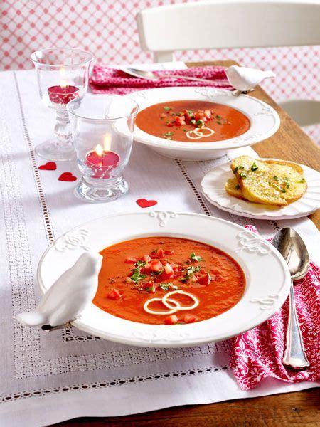 tomatensuppe mit basilikum crostini rezept valentinstag rezepte geschenke kleinigkeiten