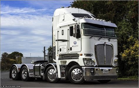 latest kenworth trucks 18 wheelers on pinterest semi trucks custom big rigs