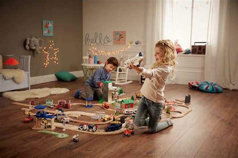 jouets cuisine en bois des jouets en bois arrivent chez lidl pour noël mais