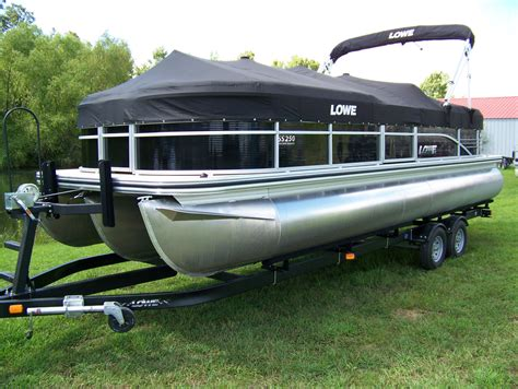 Tritoon Boat Companies by Lowe Ss250 Walk Thru Tritoon Boat For Sale From Usa