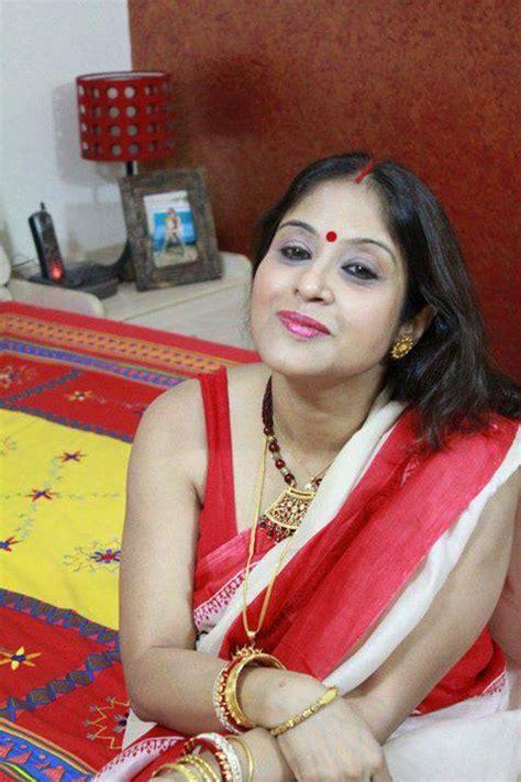 hot tamil aunties mulai  peperonity facebook