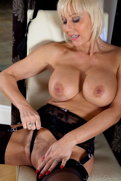 Jan Burton Hot British MILF In Stockings And Pantyhose Sex - Lingerie Moms