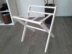 porte valise teinte blanc sangles blanches With porte bagage chambre ikea