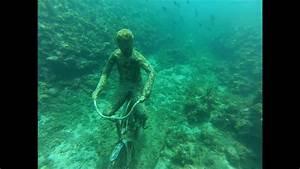 Rustine Piscine Sous L Eau : parc molini re de sculptures sous l 39 eau grenade cara bes youtube ~ Farleysfitness.com Idées de Décoration