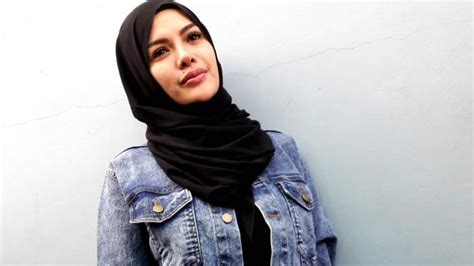 Khawatir Dirinya Lepas Hijab Nikita Mirzani Tak Bisa