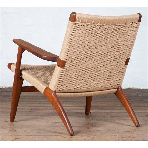 pair of mid century ch 25 easy chairs by hans j wegner at
