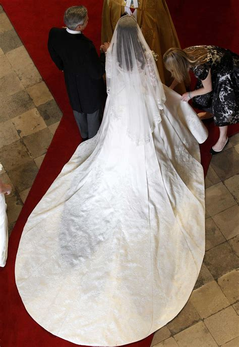 royal wedding kate middletons dress time