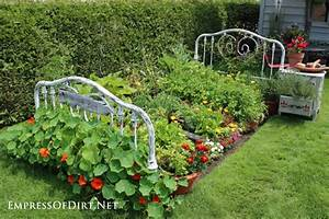 Hometalk Repurposed Bed Frame to Garden Bed