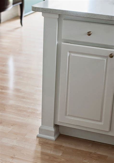 kitchen cabinet base trim 27 best images about caesarstone and marble backsplash on 5158