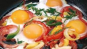 Frühstück Zum Abnehmen Rezepte : eier tomaten pfanne bild der frau ~ Frokenaadalensverden.com Haus und Dekorationen