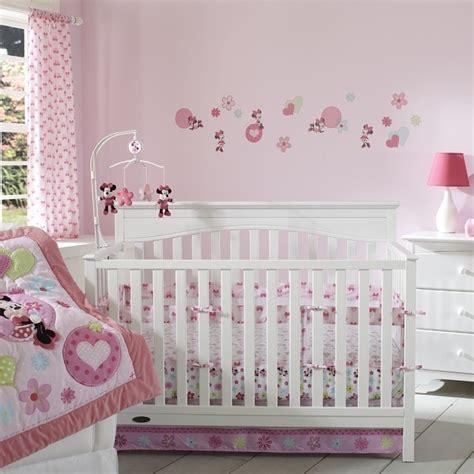 thème chambre bébé fille chambre bébé fille embellir l espace de notre bébé 24 idées