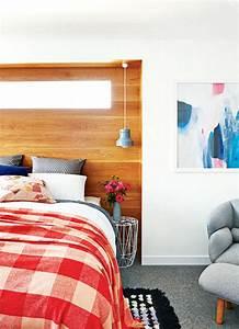 Tapis Noir Et Blanc Scandinave : deco design chambre tete de lit bois encastree parure draps vivhy rouge moquette tapis epais ~ Teatrodelosmanantiales.com Idées de Décoration
