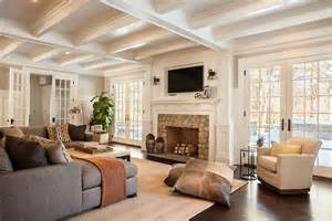 spectacular open space living room designs tv sopra il camino cosa sapere ed esempi pratici