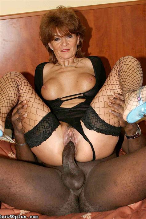 Tunde Shapely Granny Loves Black Cock Pichunter