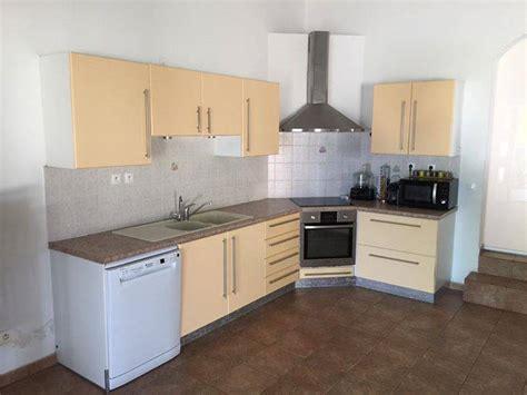 prix d une hotte de cuisine une cuisine d 39 angle complète annonce meubles et décoration la réunion