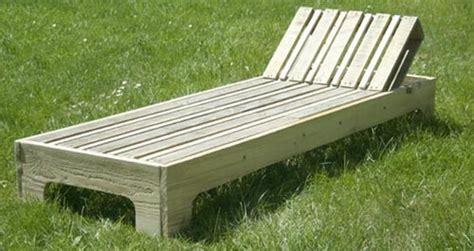 chaise longue palette chaise longue en palette esprit cabane idees creatives