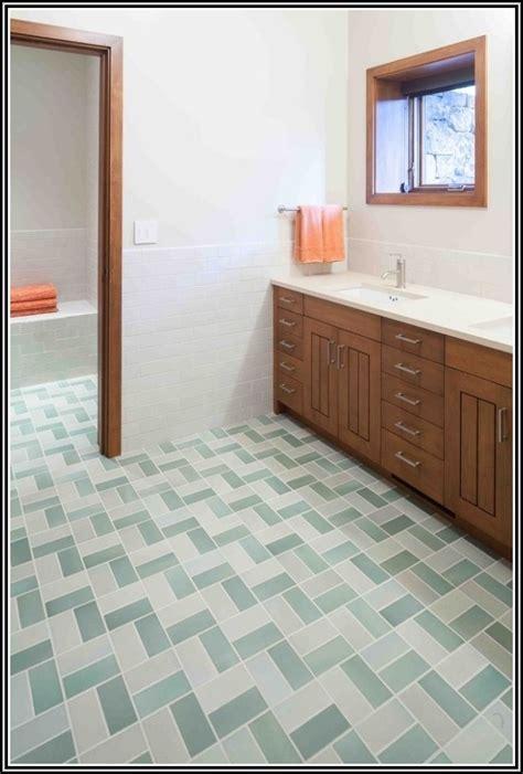 Pvc Boden Verlegen Tipps by Pvc Boden Auf Fliesen Verlegen Fliesen House Und Dekor