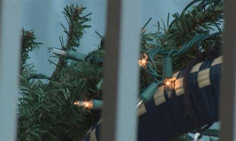 we hang christmas lights phoenix hoa says to take down christmas lights