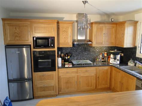 cuisine contemporaine en bois massif cuisine sur mesure bois chene ebenisterie brettes
