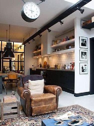 bureau ancien dessus cuir cuisine vintage blanche et noir à l 39 américaine avec