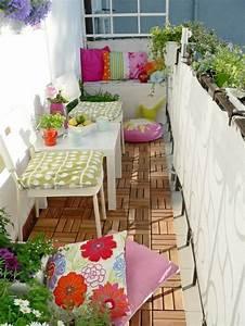Balkongestaltung Kleiner Balkon : wertvolle balkongestaltung welche die wohnfl che erweitert ~ Michelbontemps.com Haus und Dekorationen
