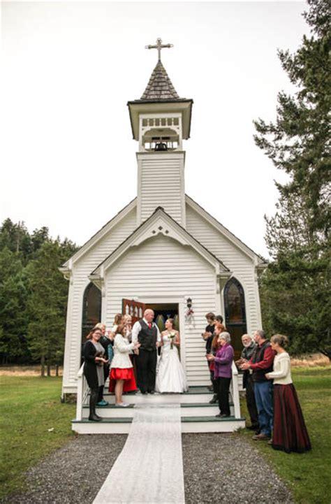 victorian valley chapel wedding orcas island jonathan