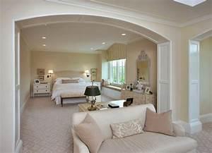 Elegant master bedroom decorating ideas home round for Luxurious master bedroom decorating ideas 2012