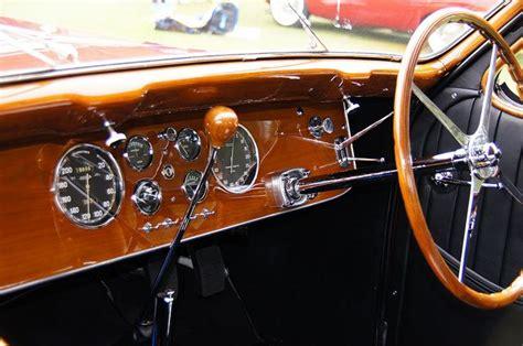The bugatti type 57 sc atlantic is an ambitious endeavour for any manufacturer in scale. Bugatti Type 57 Atalante Coupe Dash   Bugatti cars, Car ...