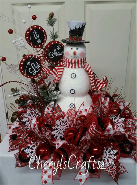 snowman centerpiece ideas best 25 christmas centerpieces ideas only on pinterest holiday centerpieces apartment
