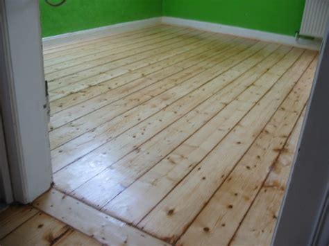 hochwertige Baustoffe Holzboden dielen verlegen