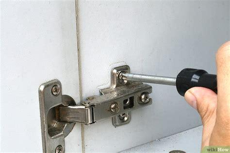 kitchen cabinet hinge replacement 3 formas de substituir dobradi 231 as de arm 225 rios wikihow 5482