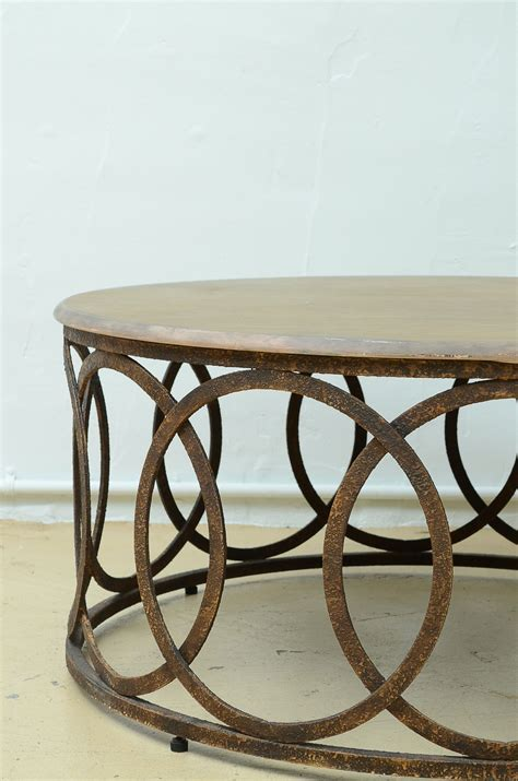 Round, modern & contemporary, coffee tables : Contemporary Round Coffee Table   EBTH