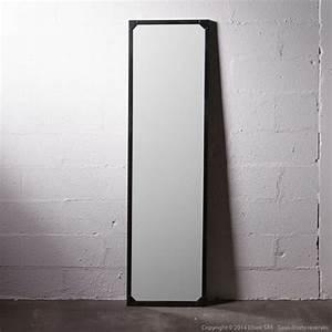 Miroir Metal Noir : miroir en pied rectangulaire contour m tal noir decoclico factory style atelier decoclico ~ Teatrodelosmanantiales.com Idées de Décoration