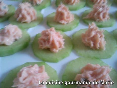 canap駸 au saumon canapés saumon concombre la cuisine gourmande de