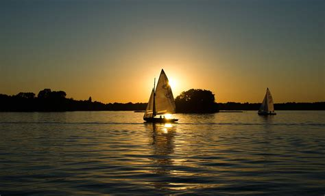 Sailing is another popular pastime on the lake, along with motor boating, parasailing, waterskiing, jet skiing, and. Smith Mountain Lake Boat Rentals | Hit the Lake with Premier!