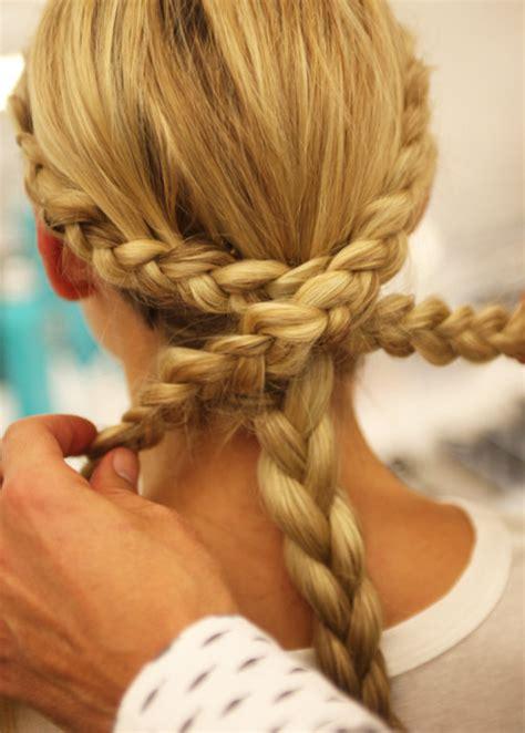 monique lhuillier bridal fall  braided hairstyles