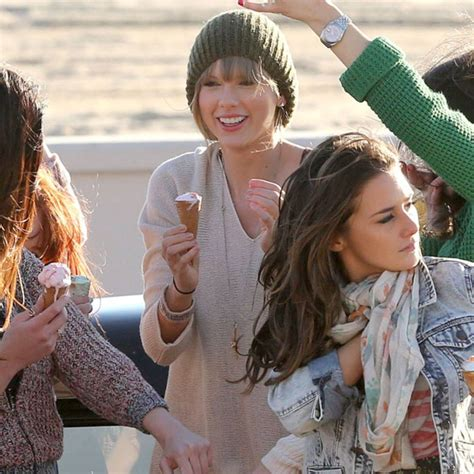 Taylor Swift Shoots New Music Video—See the Pics - E! Online