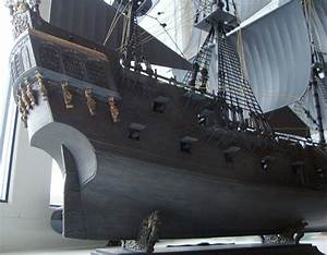"""Black Pearl"" pirate tall ship model in scale: 1:72 ..."