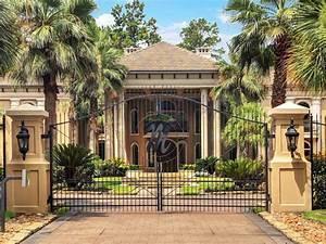 Stunning Mediterranean-Style Home In Houston, Texas 31