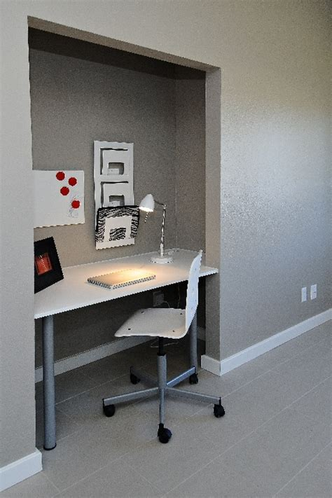 built in desk to replace small closet w hous